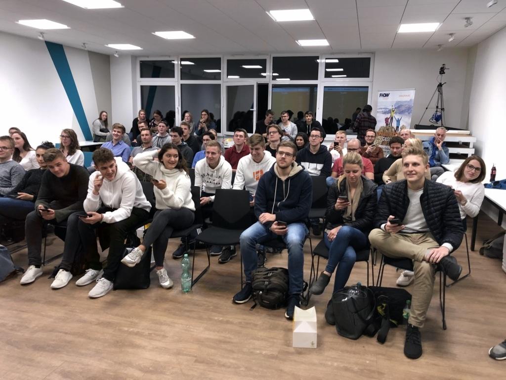 FHDW Office365 Ziemlich Beste Freunde BG 2019 Publikum 01