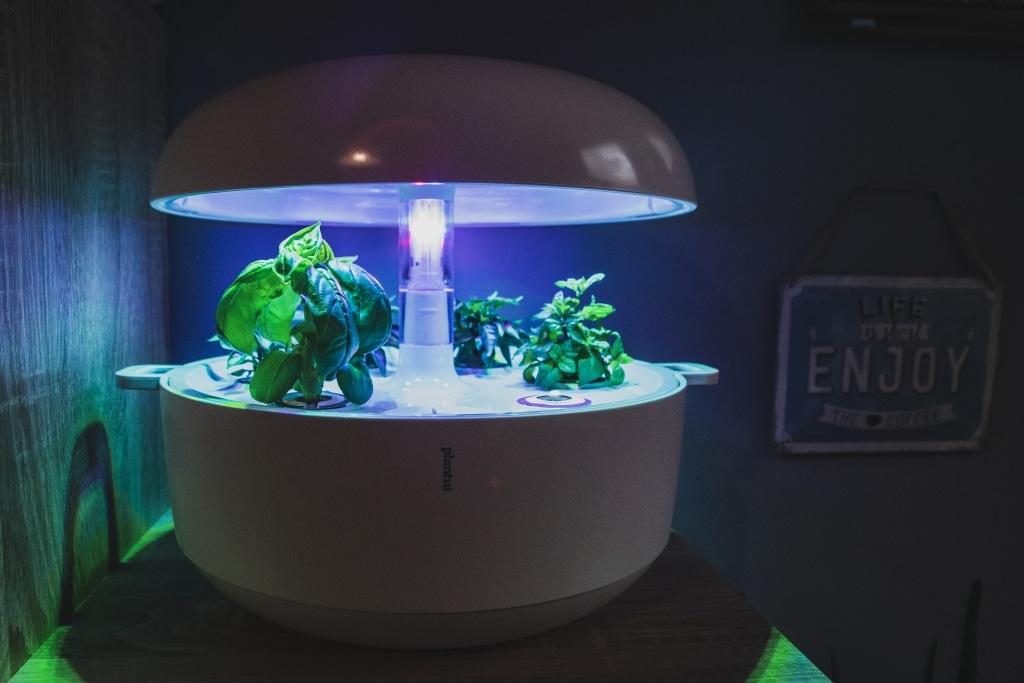 Plantui Smart Garden Complete 01