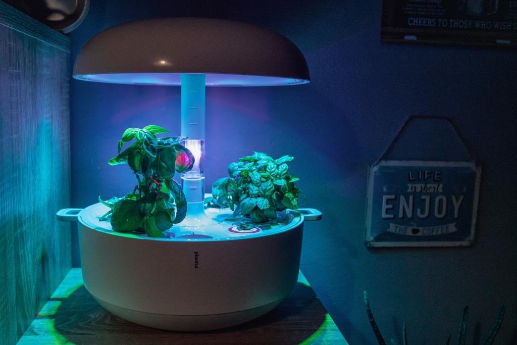 Plantui Smart Garden Complete 02